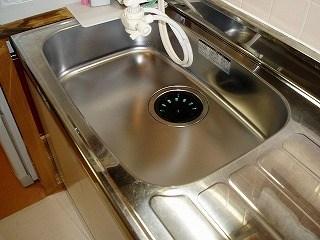 キッチンシンクを掃除19